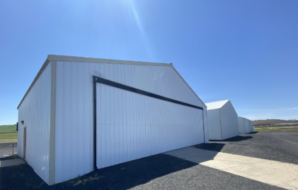 HANGAR / POLE BUILDING